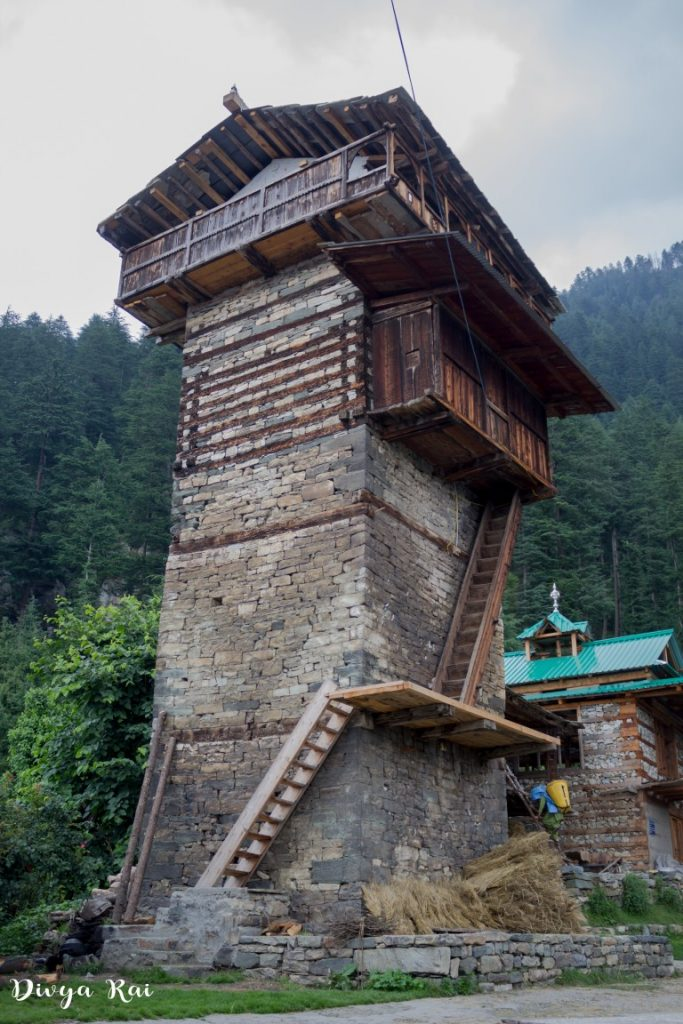 Structure of Dev Bhandar at Chehni Kothi Kullu